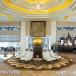 Kempinski executive-lounge-with-people