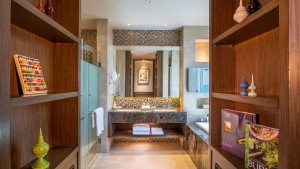 Kempinski executive-suite-bathroom